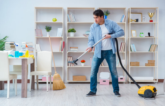 How to Foster Good Relations With Your Home Cleaner